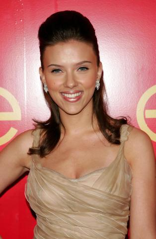 "NEW YORK - JUNE 08: Actress Scarlett Johansson attends the Cartier And Interview Magazine ""Celebrate Love"" party at the Cartier Mansion June 8, 2006 in New York City. (Photo by Peter Kramer/Getty Images)"