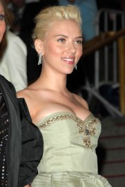 "Scarlett Johansson== The COSTUME INSTITUTE Gala in honor of ""POIRET: KING OF FASHION""== The Metropolitan Museum of Art, NYC== May 7, 2007== ©Patrick McMullan== Photo - CHANCE YEH/PatrickMcMullan.com== =="