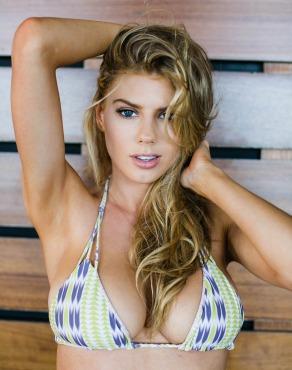 Charlotte-McKinney-Bikini-Deflated_1