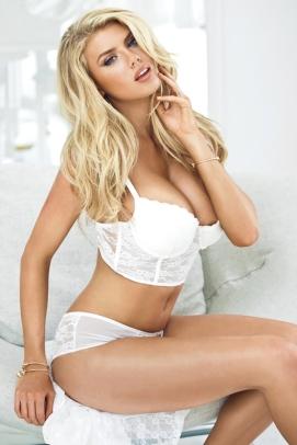 Charlotte-McKinney-Guess-Lingerie_11