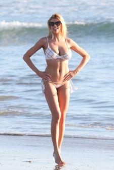 charlotte-mckinney-in-bikini-at-venice-beach_9