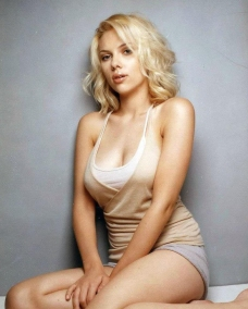 Scarlett-Johansson-10