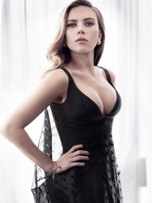 Scarlett-Johansson-Cleavy-Adds-in-Vanity-Fair-Magazine-02-cr1407860054762-435x580