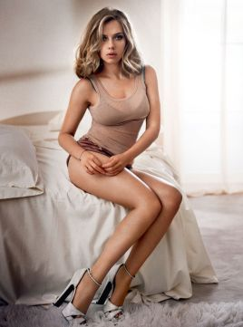 scarlett-johansson-in-esquire-magazine-uk-december-2013-issue_1