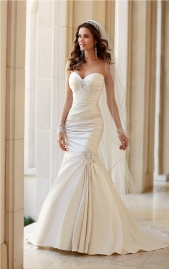 talita-correa-for-stella-york-spring-2015-bridal-collection-2