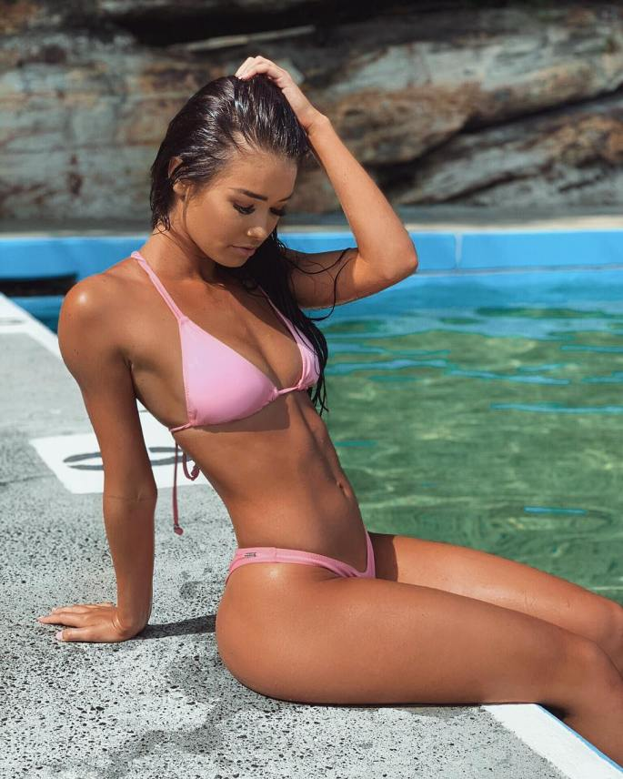 Alicia-Parr-Wallpapers-Insta-Fit-Girls-17