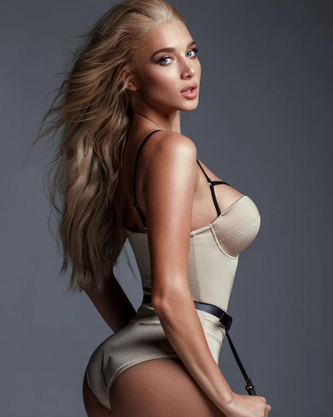 Anastasia-Mikhaylyuta-Wallpapers-Insta-Fit-Girls-11