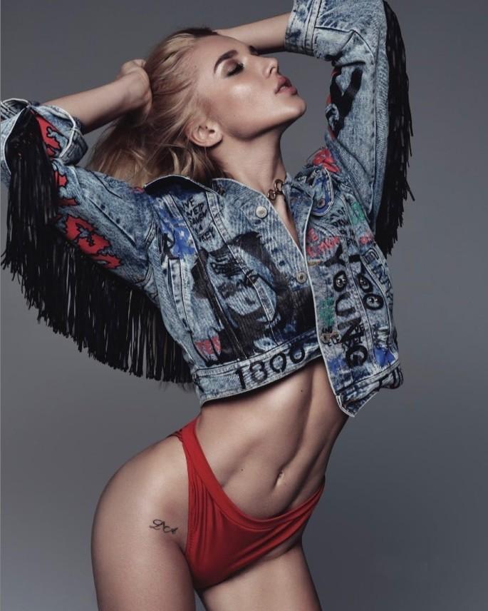 Anastasia-Mikhaylyuta-Wallpapers-Insta-Fit-Girls-3
