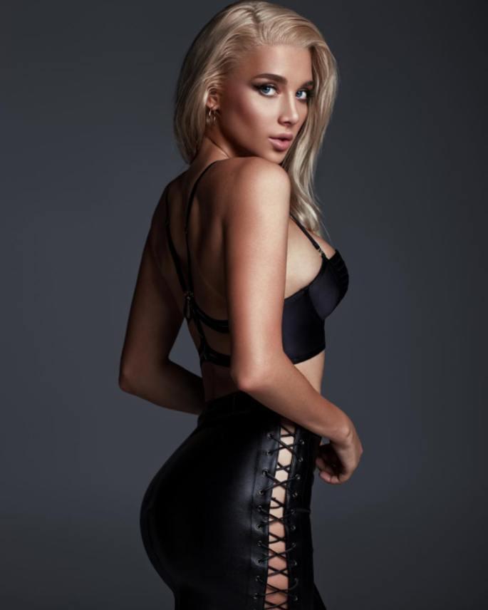 Anastasia-Mikhaylyuta-Wallpapers-Insta-Fit-Girls-5