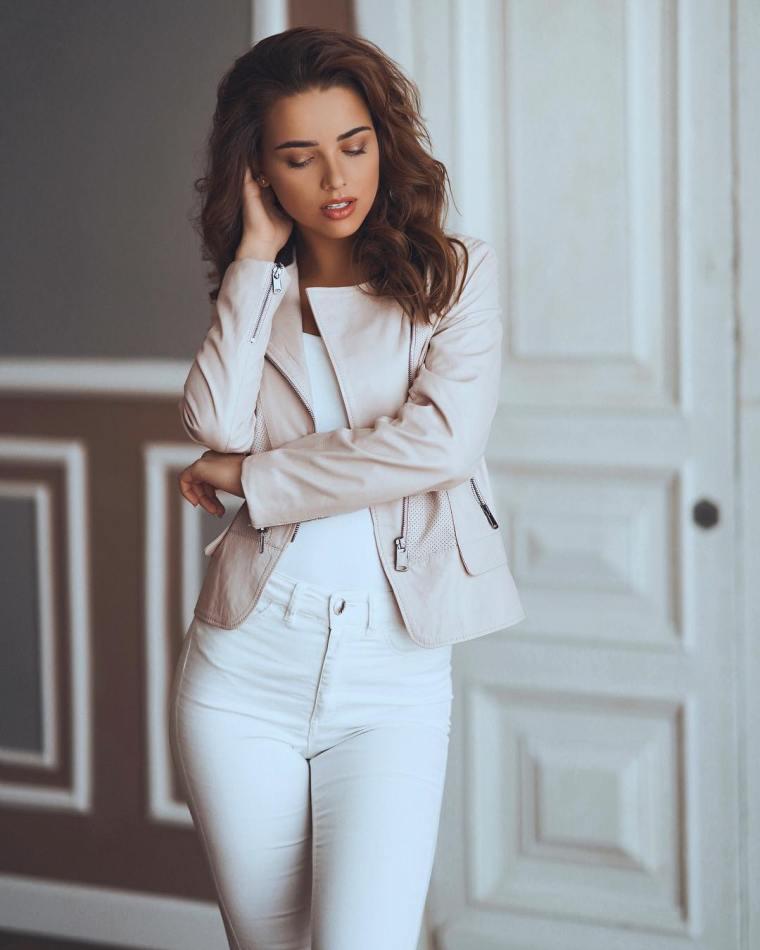 Anna-Belik-Wallpapers-Insta-Fit-Girls-2