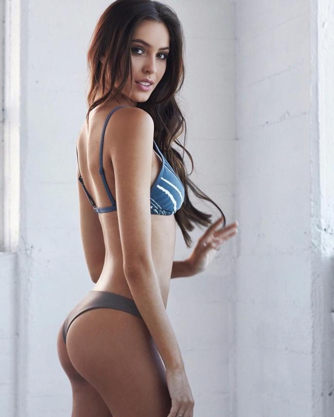 Cameron-Rorrison-Wallpapers-Insta-Fit-Girls-8