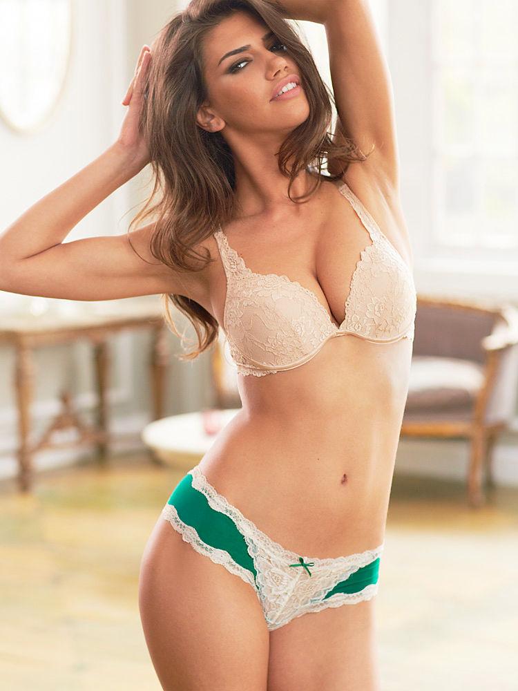 nicoleta_vaculov_fredericks_of_hollywood_lingerie_17